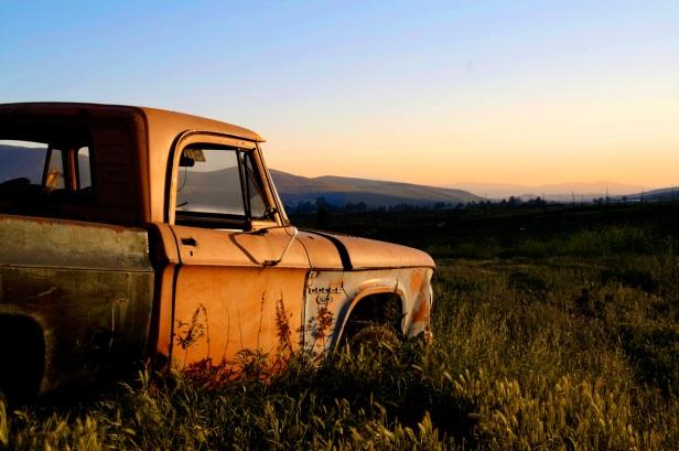 broken-truck-1-1375232-1279x851